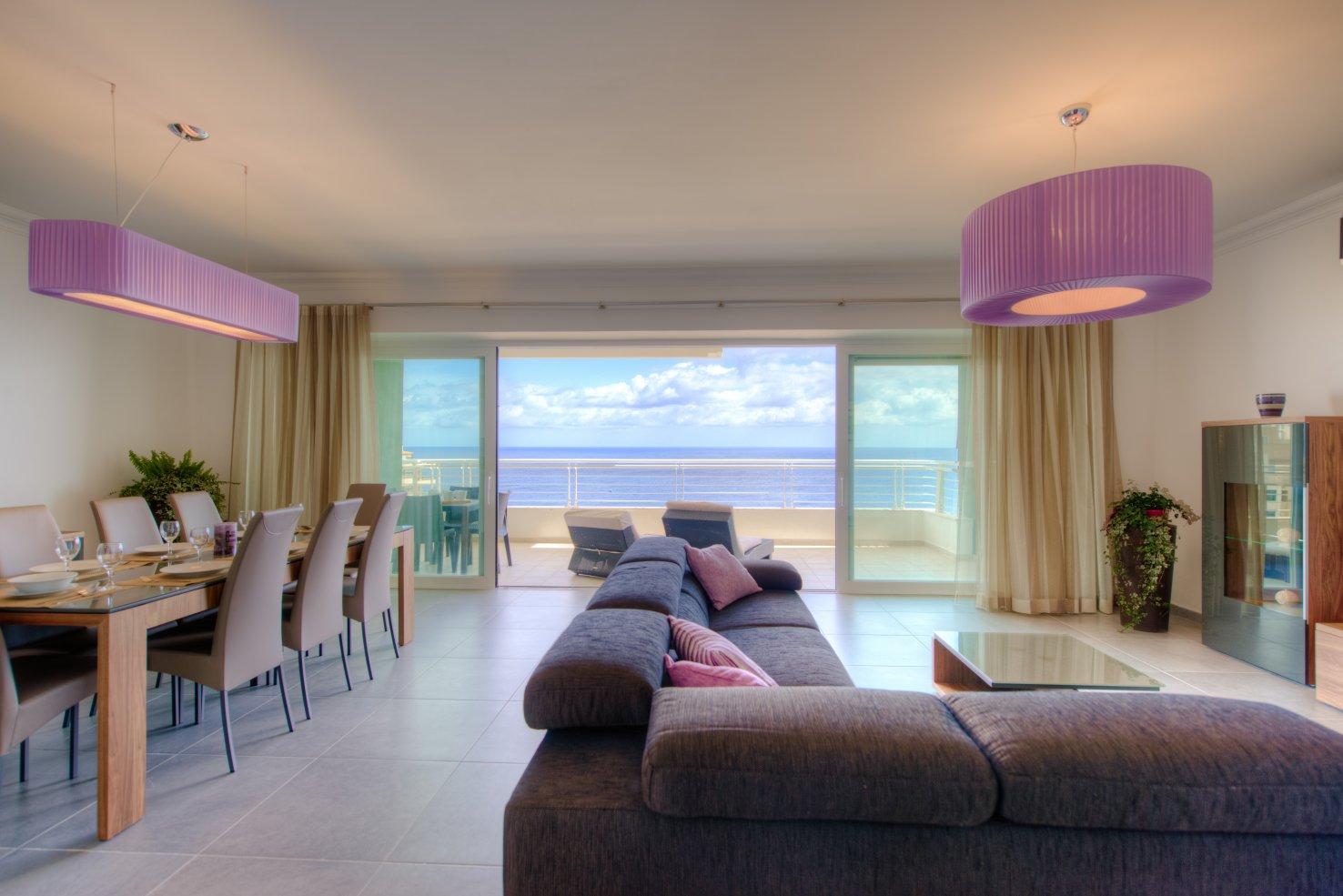 Seafront 5 Star Apartment in Sliema - Buena Vista Holidays